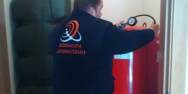 Revisiones mensuales de bombas de agua y equipos de presión